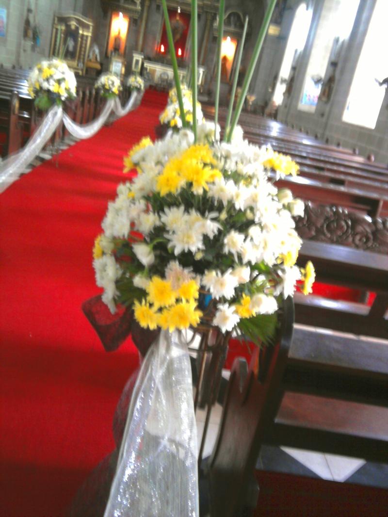 wedding/aisle arrangement